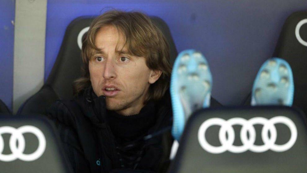 لوكا مودريتش نجم خط وسط فريق ريال مدريد