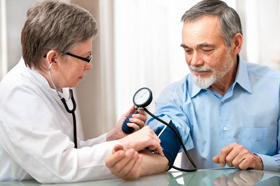 ضغط الدم عند المسنين