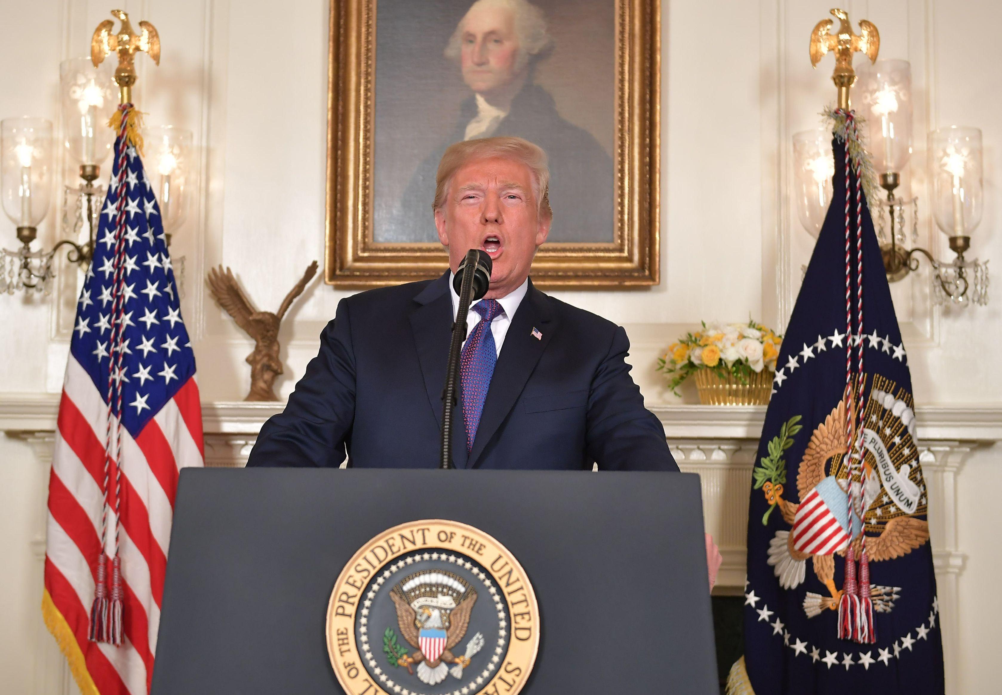 ترامب يأمر بتوجيه ضربات موجهه ضد سوريا