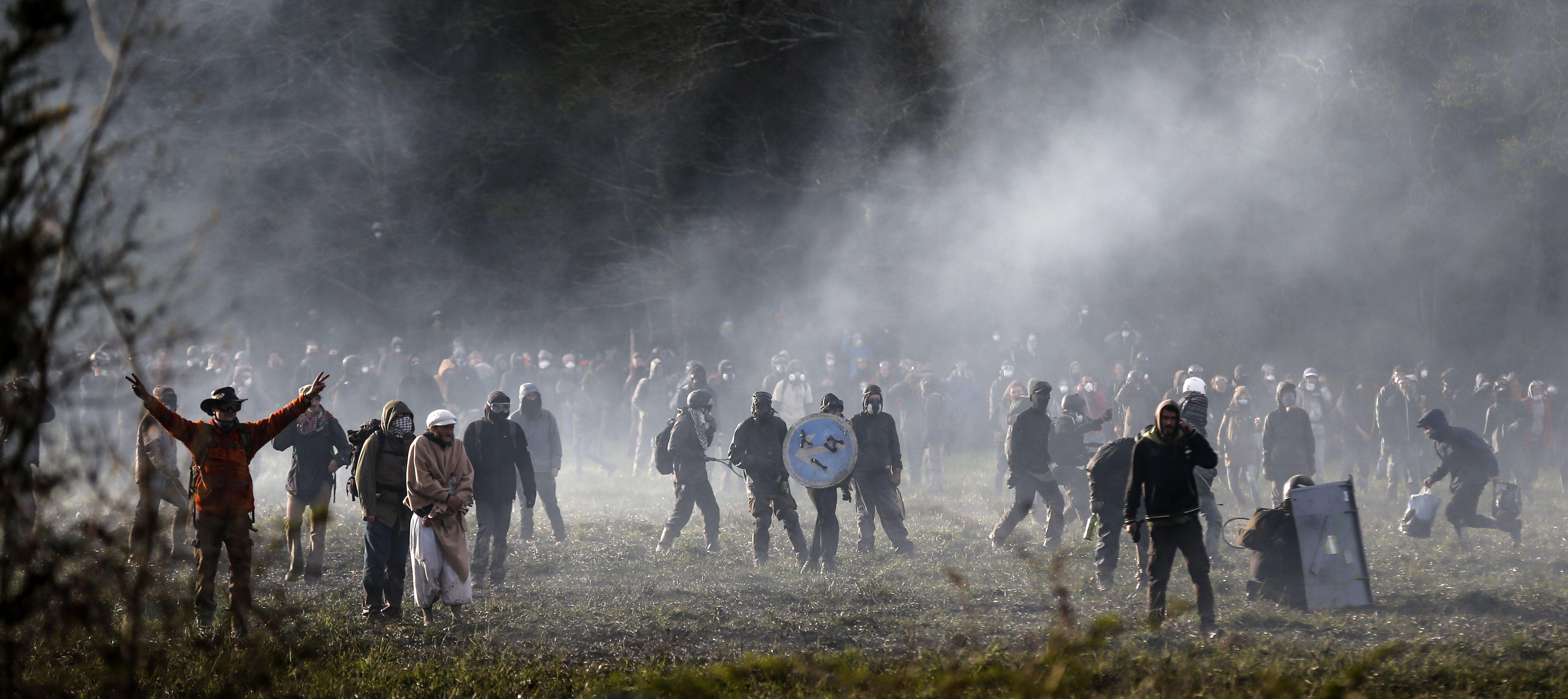 جانب من الاشتباكات فى فرنسا