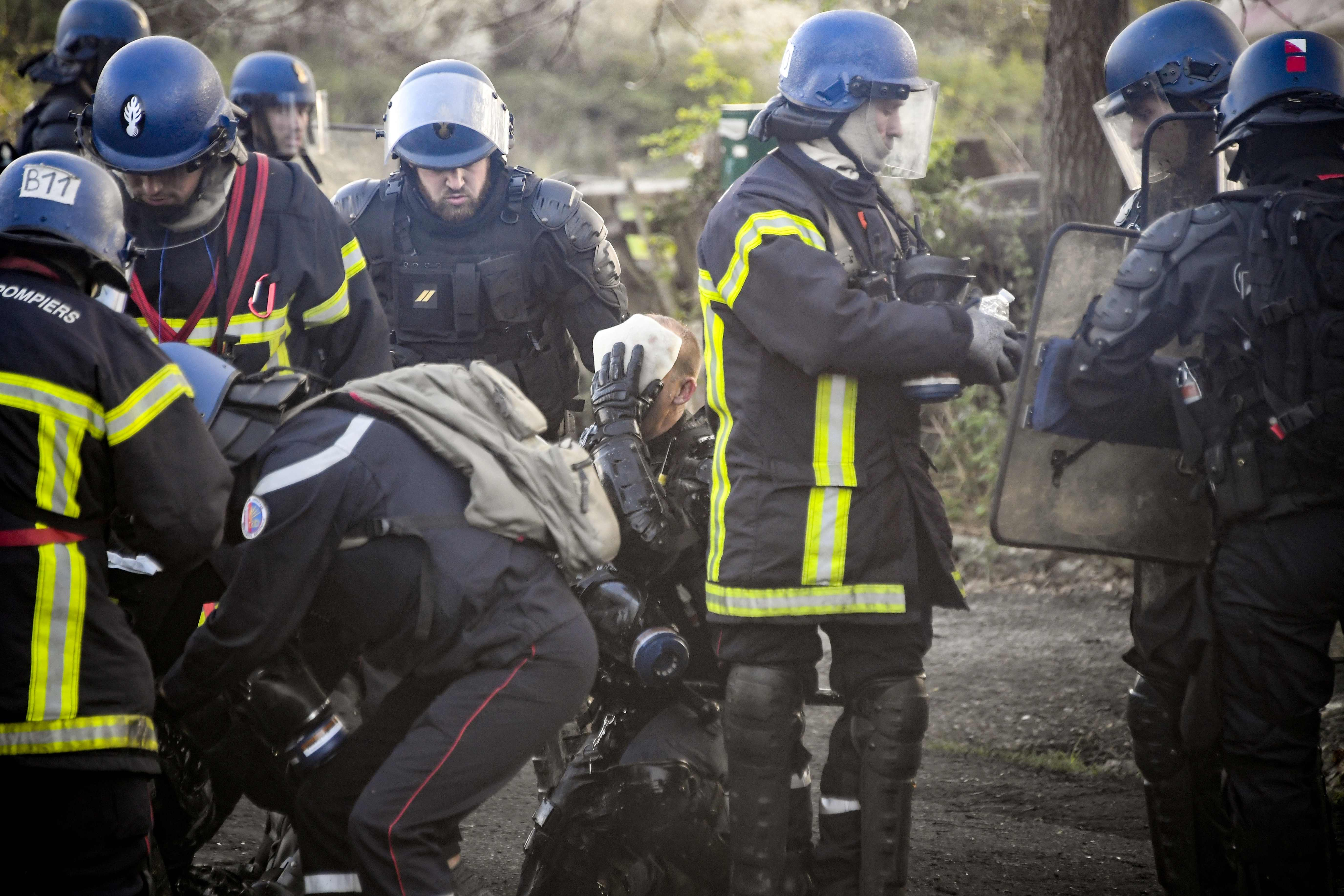 الشرطة الفرنسية تعتقل العشرات