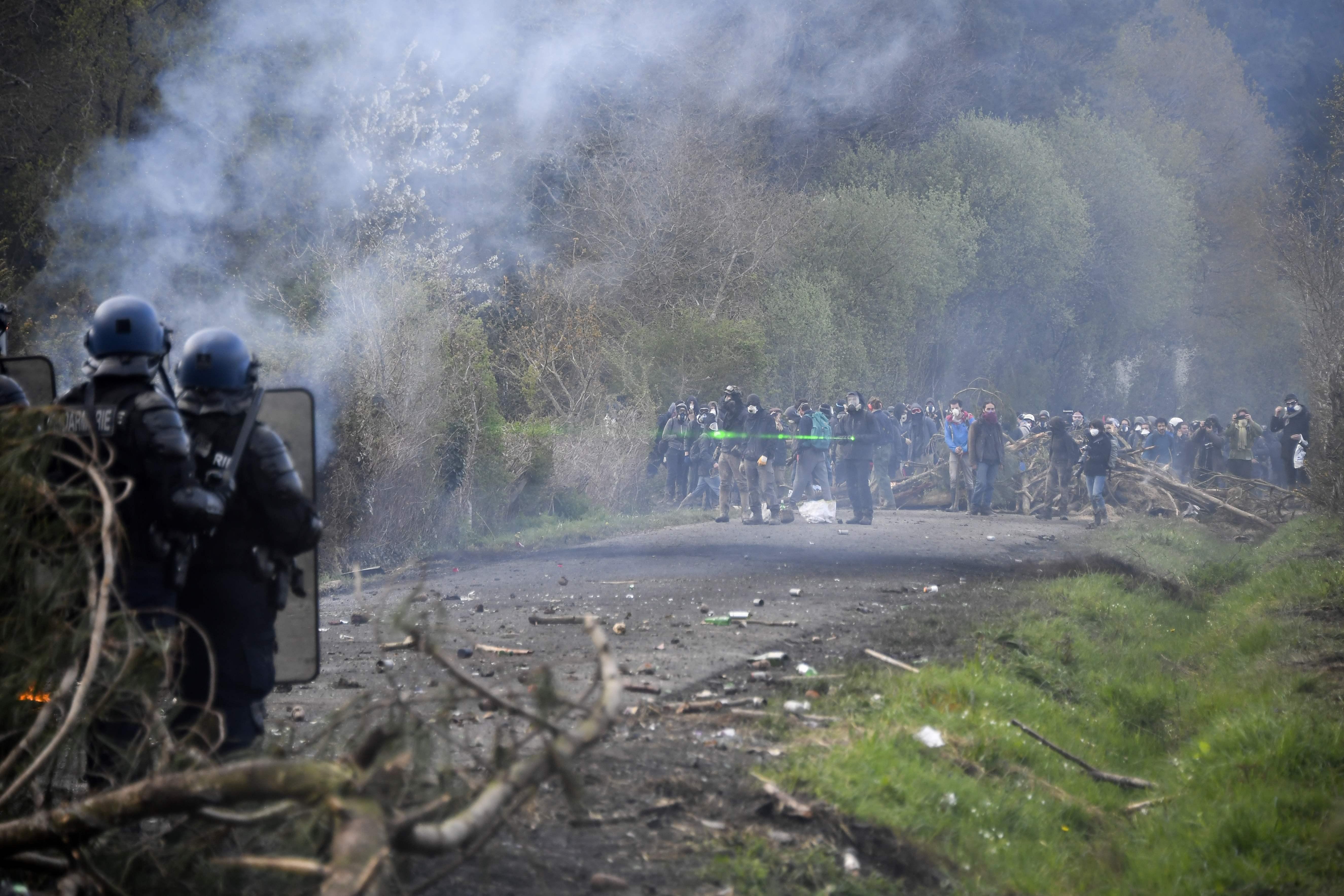 جانب من أعمال العنف فى فرنسا