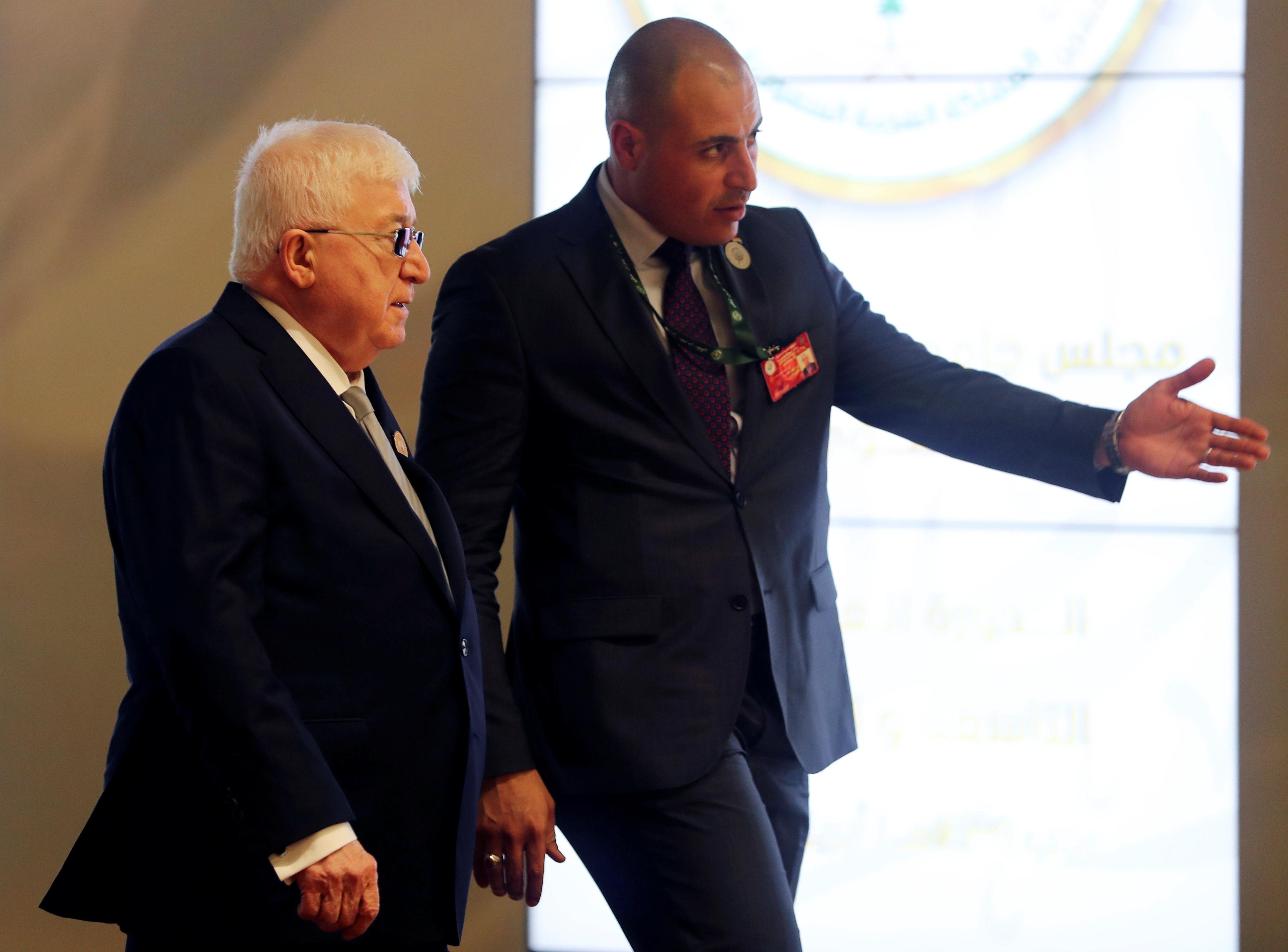 الرئيس الفلسطينى يصل مقر انعقاد القمة العربية