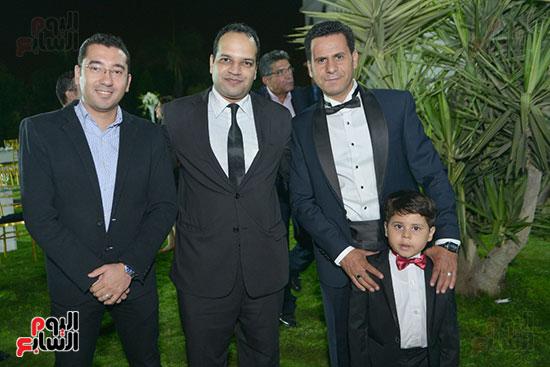 الزملاء محمود الضبع ومحمد خطاب وأحمد يعقوب