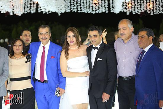 العامرى فاروق مع العروسين