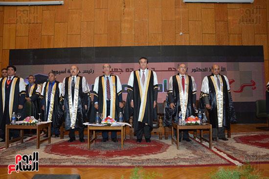 جامعة أسيوط (7)