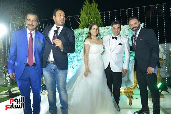 الليثى و حازم إمام مع العروسين