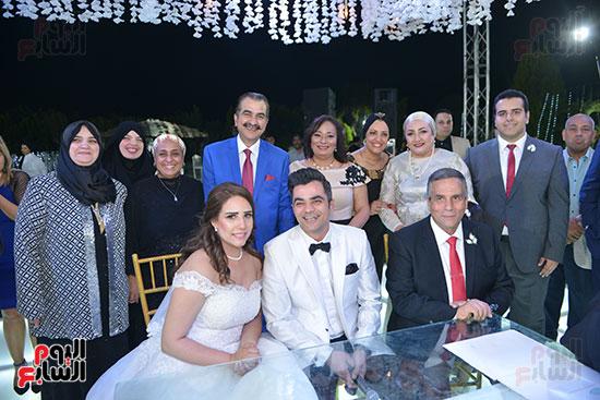 العروسان بعد كتب الكتاب