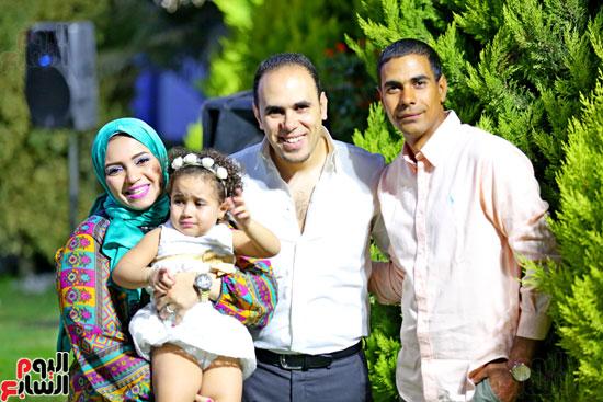 إبراهيم أحمد وحرمه وشقيقه