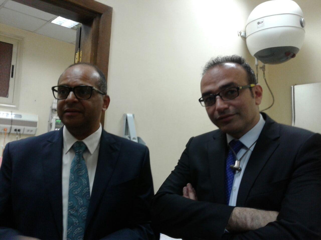 الدكتور خالد جودت استاذ جراحات السمنة مع نائب مدير مستشفى الدمرداش