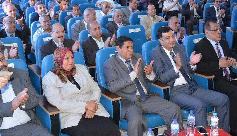 مؤتمر اليوم العلمي الثالث لكلية العلوم (2)