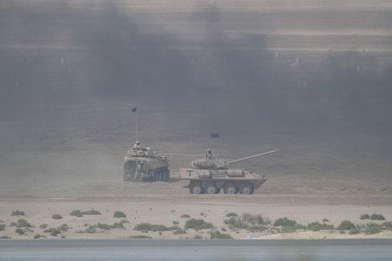 قوات برية تشارك فى فعاليات تمرين درع الخليج المشترك 1