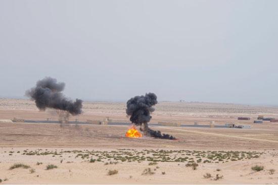 النيران تنبعث فى ميدان تدريبات درع الخليج المشترك 1
