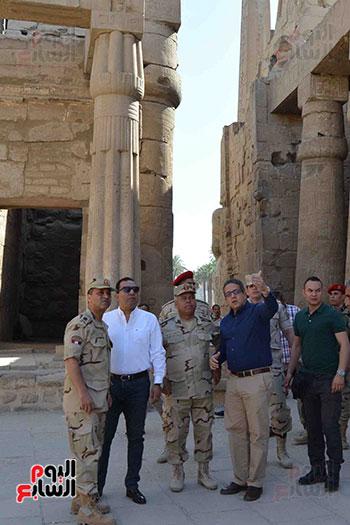 الآثار والجيش يتفقان على إزالة منازل نجع أبو عصبة لاستكمال المشروع