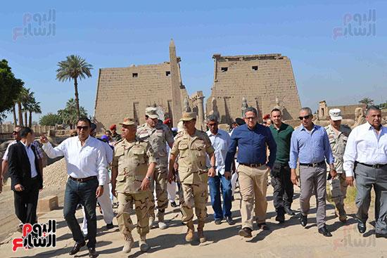 جانب من الزيارة لطريق الكباش ومعبد الأقصر قبل احتفالات يوم التراث العالمى