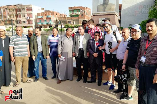 التليفزيون الروسى يوثق رحلة كفاح محمد صلاح بمسقط رأسه بالغربية (15)