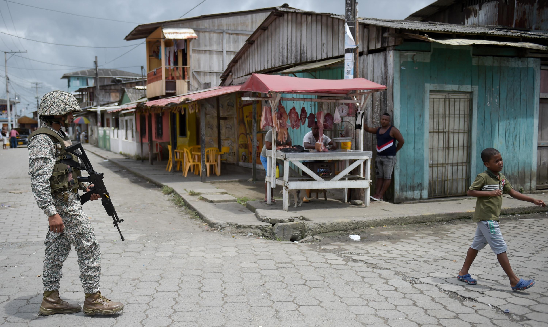 تشديدات أمنية على الحدود بين كولومبيا والإكوادور