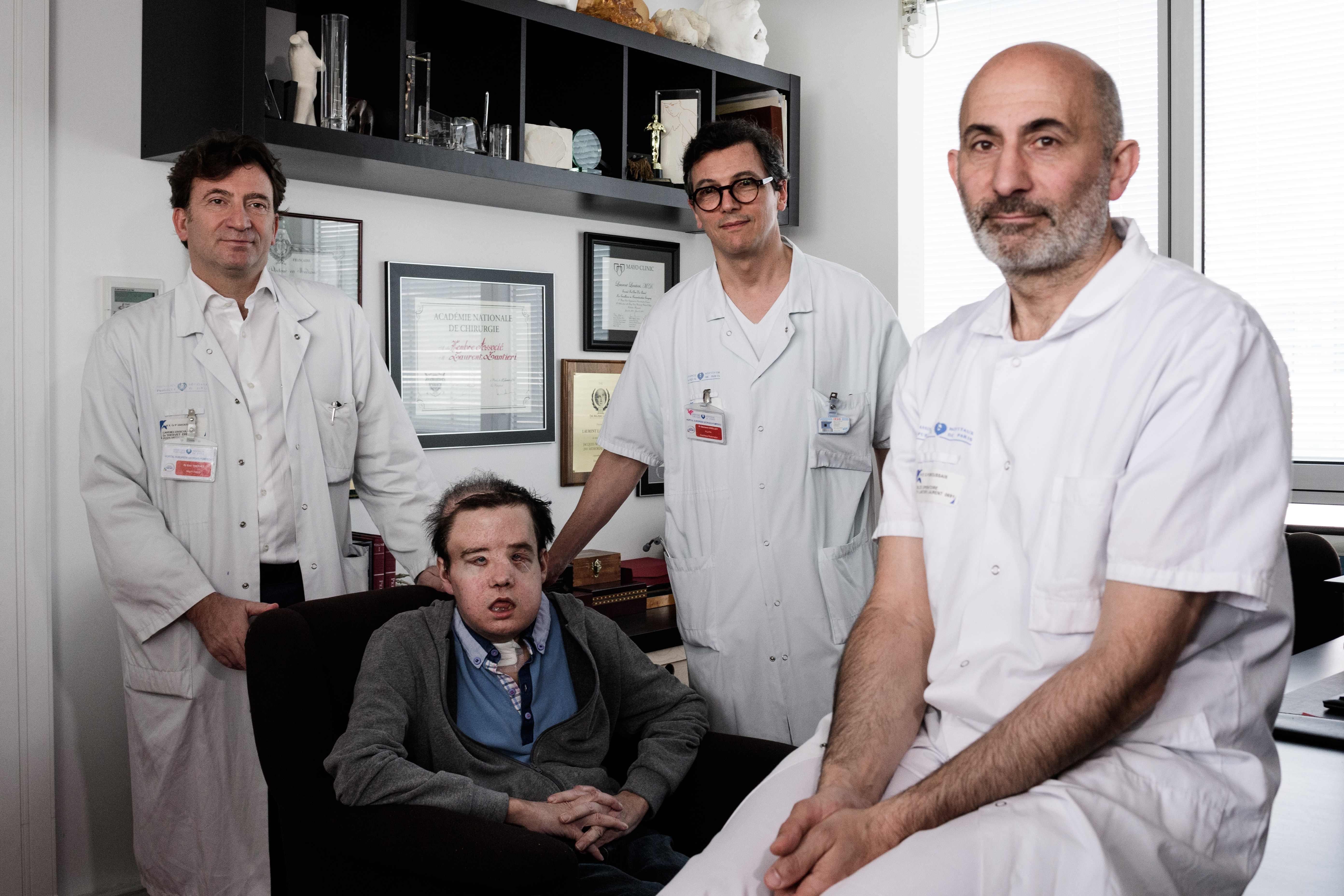الأطباء المعالجون
