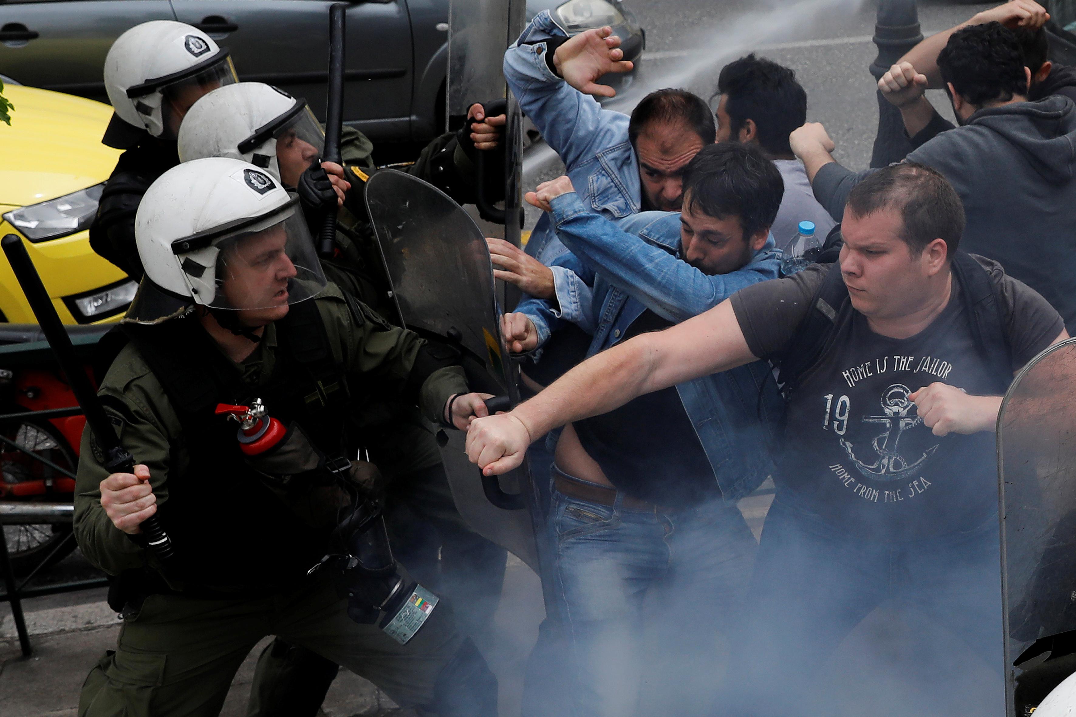 جانب من الاشتباكات فى أثينا