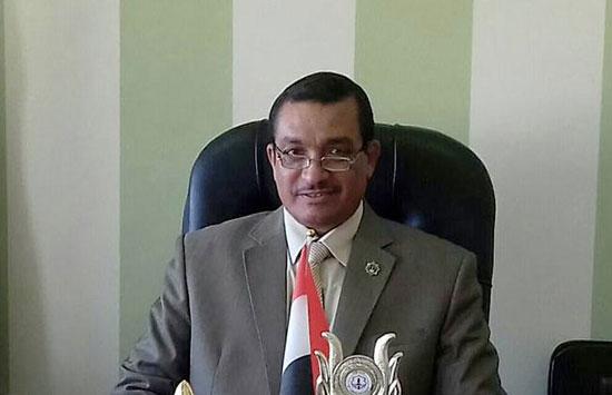 الدكتور-السيد-محمد-سلام-عميد-كلية-اللغة-العربية-بالمنوفية