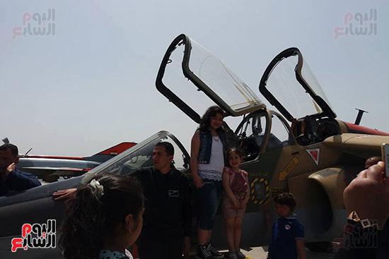 طلائع الدقهلية يزورون القاعدة الجوية بمطار شاوة (6)