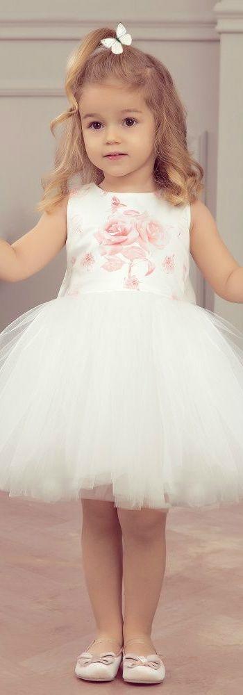 99fa93a73 مش لازم فستان العروسة.. اعرفى ازاى تختارى لبنتك أزياء سواريه - اليوم ...