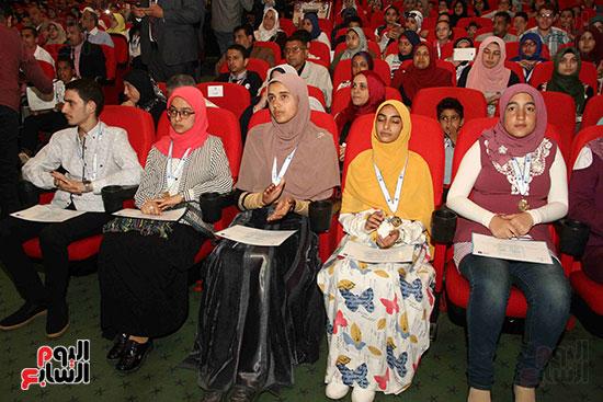 صور مسابقة تحدى القراءة العرب (11)