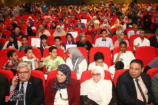 صور مسابقة تحدى القراءة العرب (50)