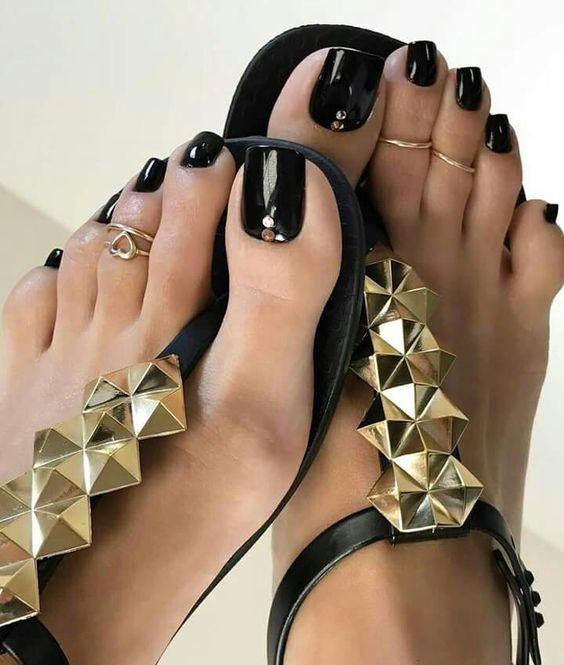 اكسسوارات أظافر القدم (2)