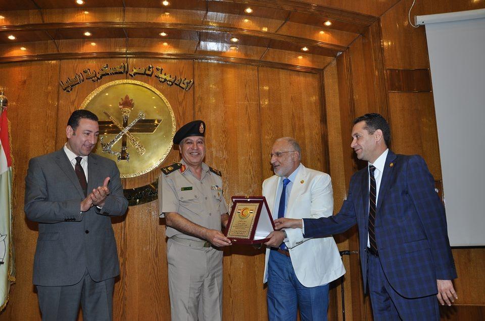 تسليم 70 صيدلياً شهادات دورة استراتيجيات الأمن القومي (2)