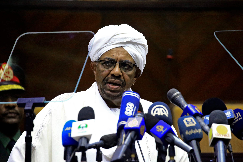 عمر حسن البشير الرئيس السودانى