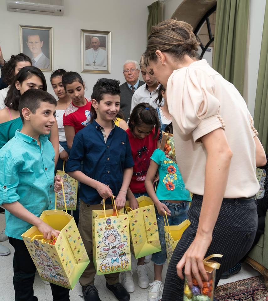 تقديم الهدايا