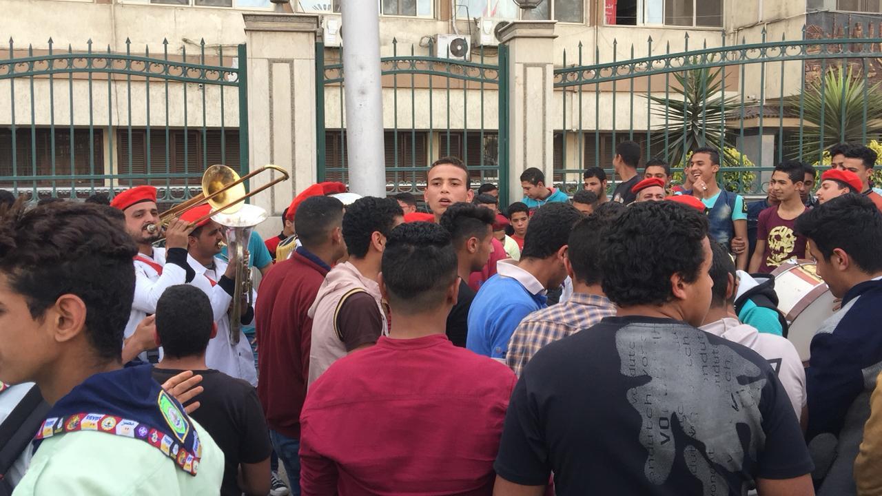 احتفالات شعبية أمام ديوان محافظة الغربية (2)