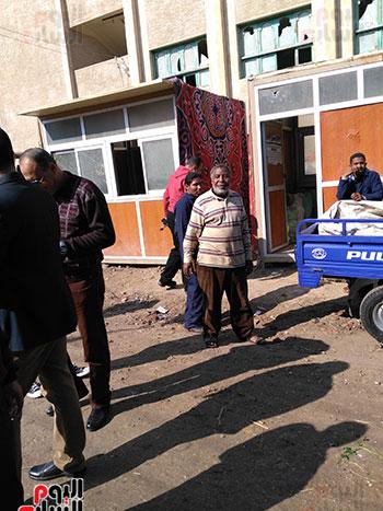 أسعار المفروزات فى أكشاك البيع بقرية أبو بدوى