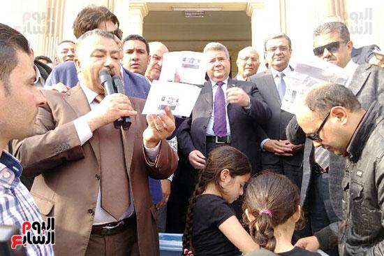 جامعة بنها تنظم احتفالية كبرى لفوز الرئيس السيسى (4)