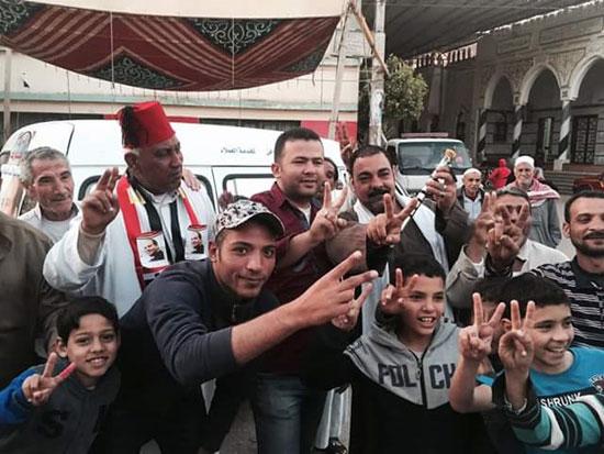 صور.. احتفالات بالمحافظات بعد إعلان فوز السيسى بالانتخابات 67306-%D8%AF%D9%85%D9%8A%D8%A7%D8%B7