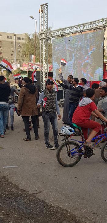 صور.. احتفالات بالمحافظات بعد إعلان فوز السيسى بالانتخابات 76469-29853421_2105926782987132_954299787_n