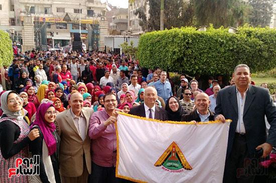 جامعة بنها تنظم احتفالية كبرى لفوز الرئيس السيسى (3)