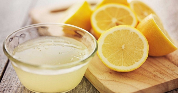 المياه والليمون
