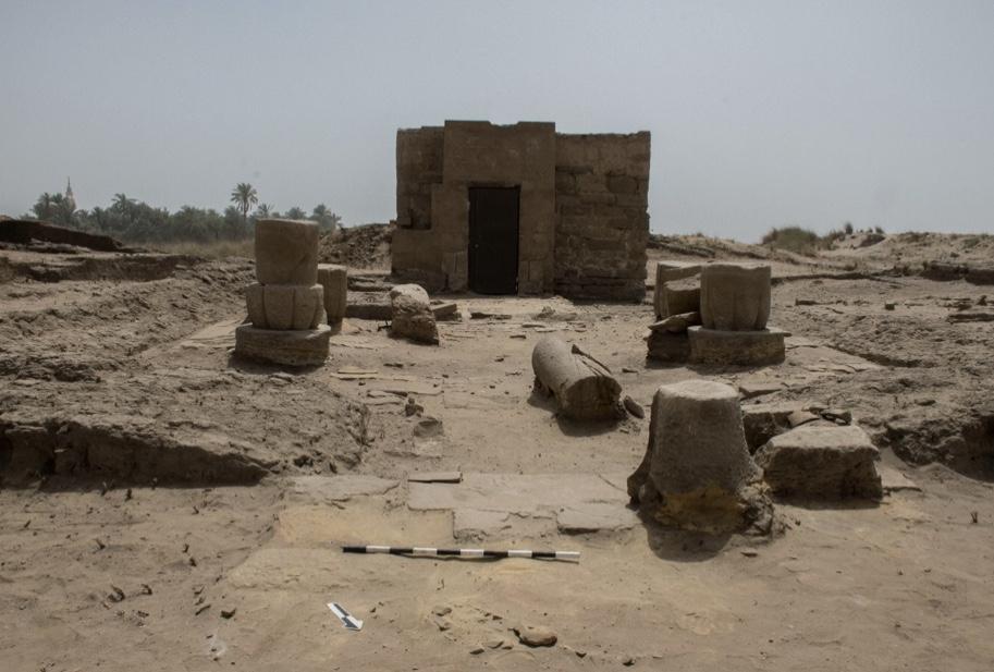 لمقصورة المعبود أوزير بتاح نب عنخ (1)