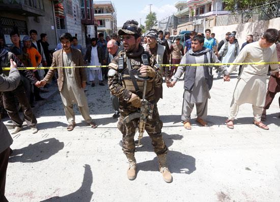 الشرطة الأفغانية فى موقع تفجير العاصمة كابول