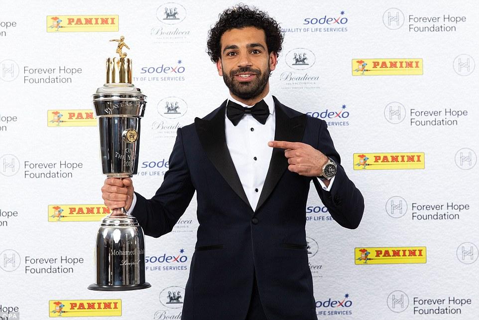 محمد صلاح يُتوج بجائزة أفضل لاعب فى الدورى الإنجليزى