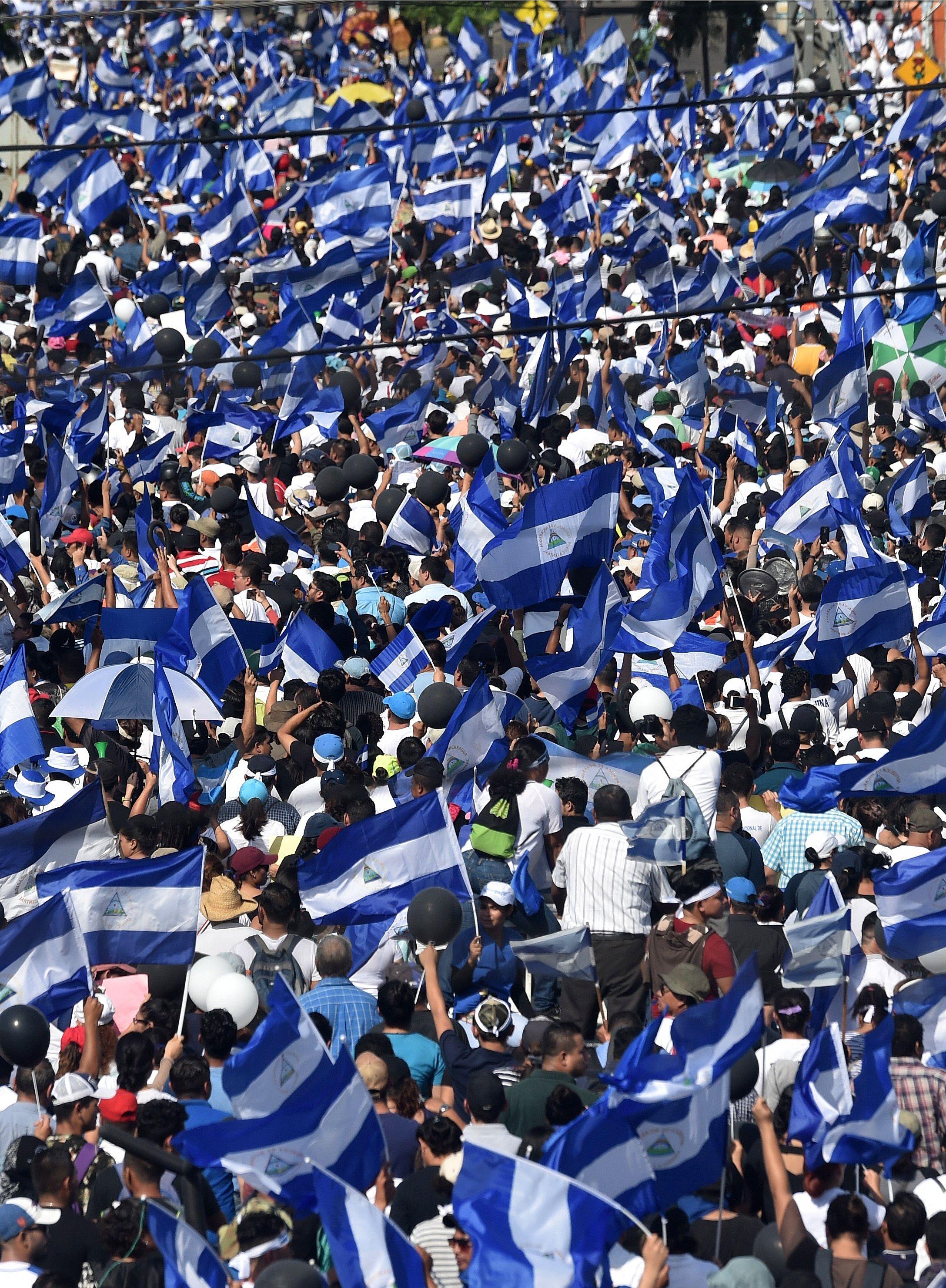 الآلاف يتظاهرون فى نيكارجوا