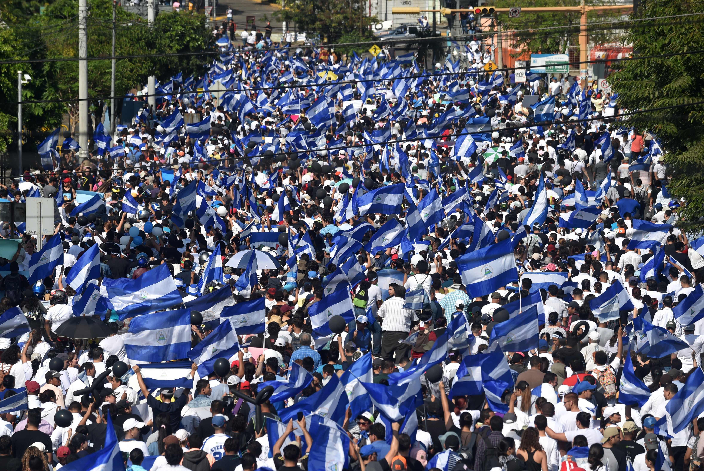 متظاهرون يطالبون الرئيس بالتنحى فى نيكارجوا