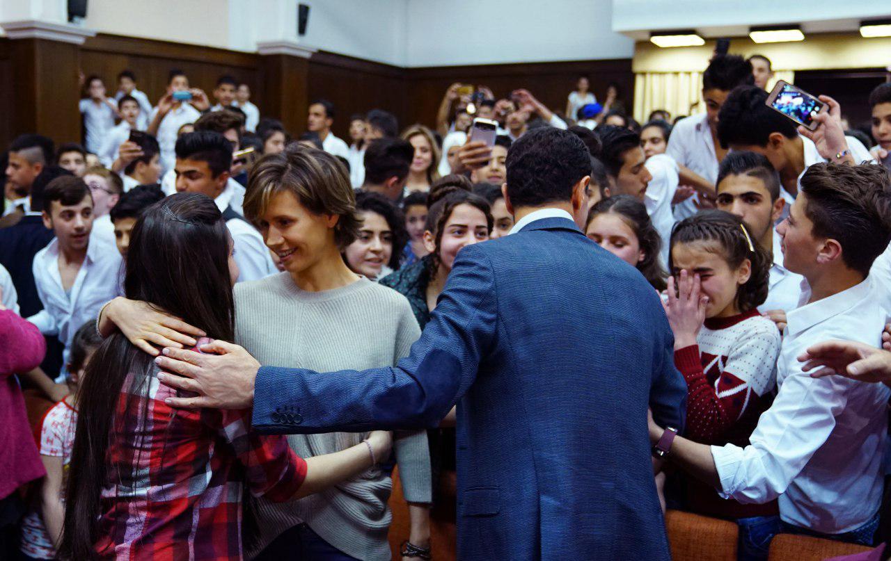 زوجة بشار الاسد تتحدث للطلاب