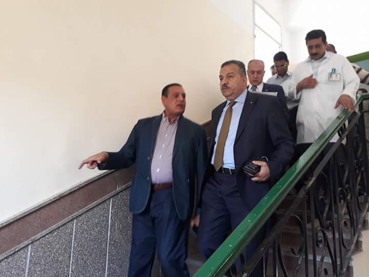 لجنة الصحة بالبرلمان تتفقد مستشفى سفاجا (2)
