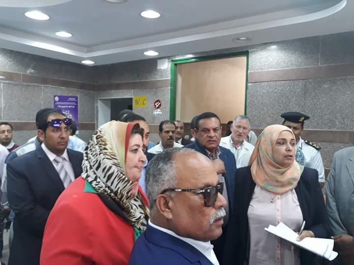 لجنة الصحة بالبرلمان تتفقد مستشفى سفاجا (5)