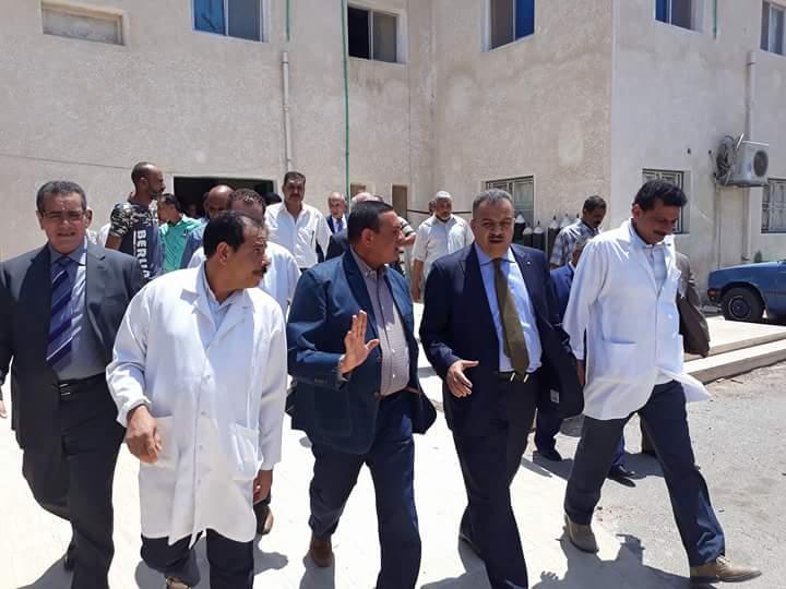 لجنة الصحة بالبرلمان تتفقد مستشفى سفاجا (3)
