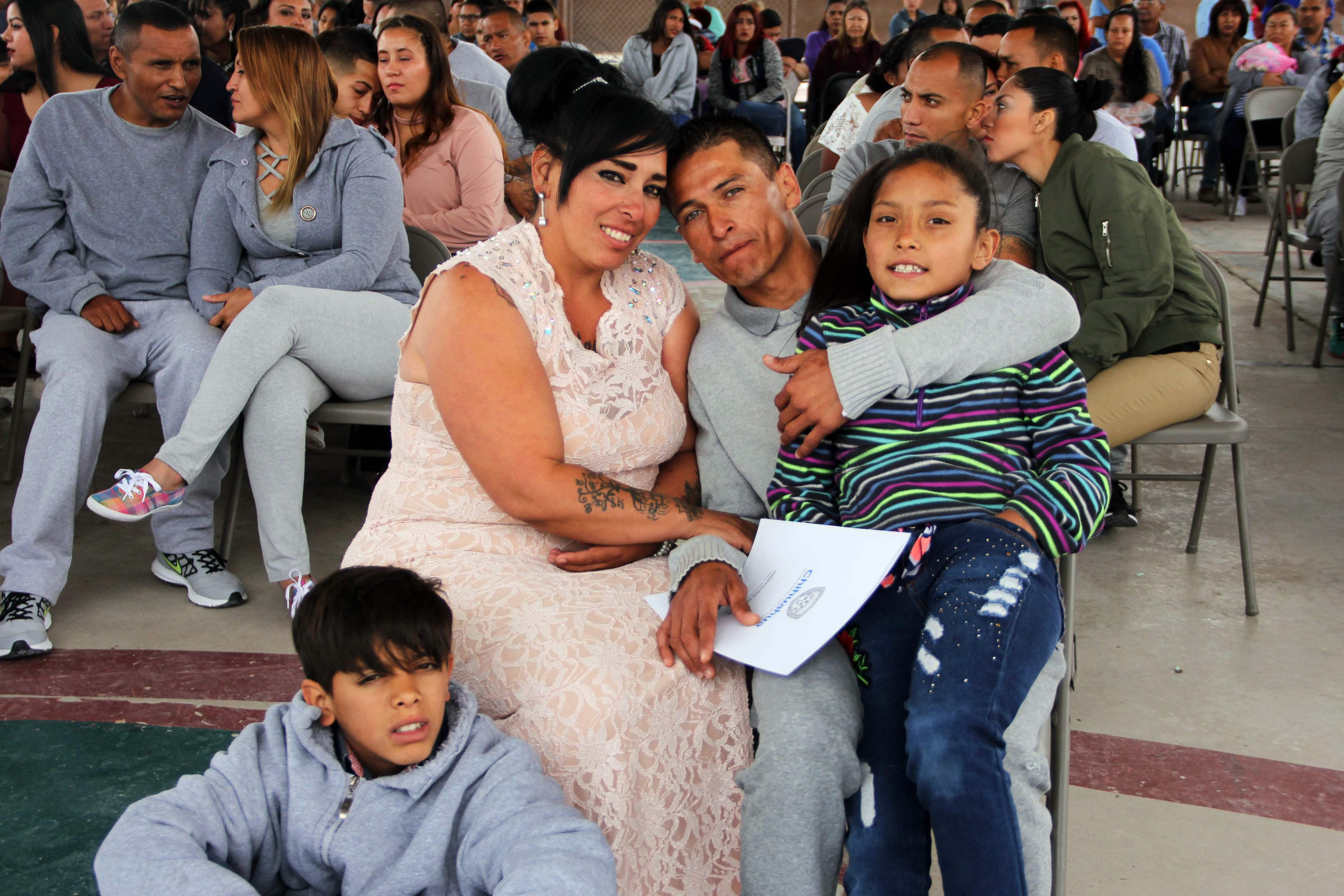 جانب من الاحتفالات داخل السجن بالمكسيك
