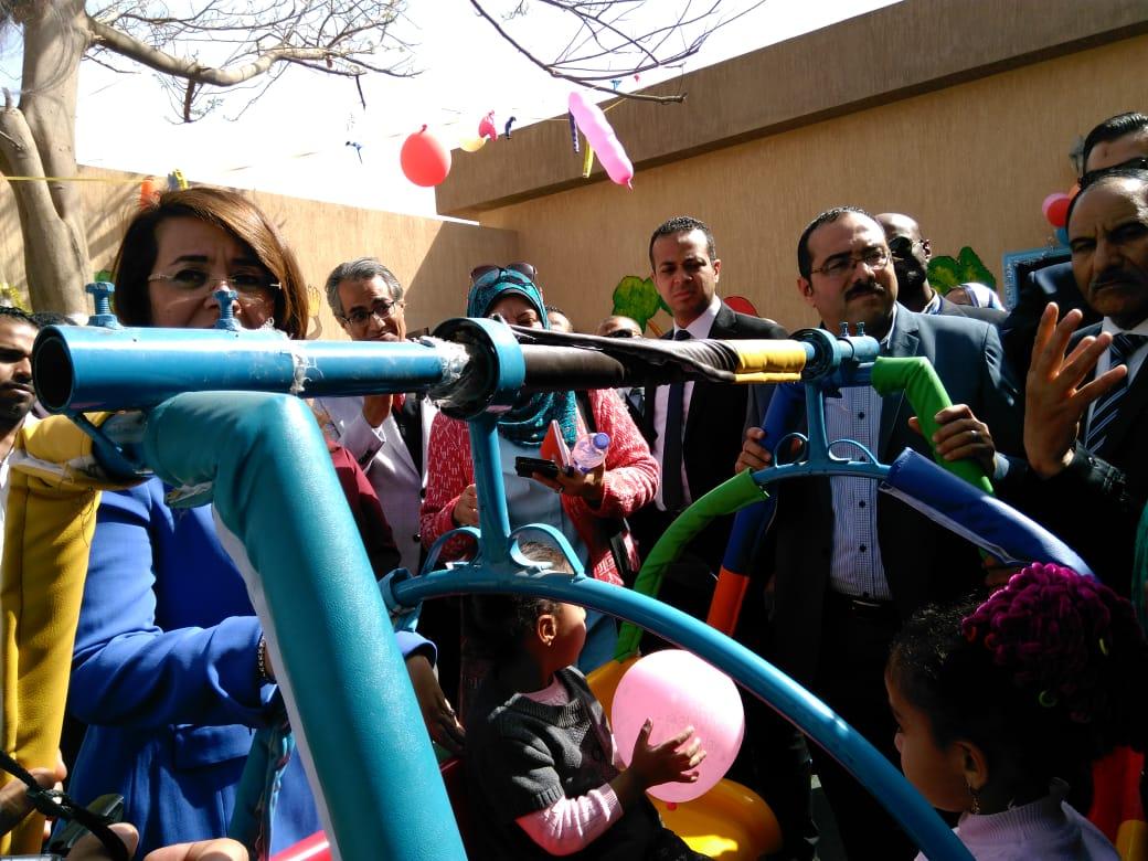 وزيرة التضامن تفتتح حضانة دامجة ومركز المطرية لرعاية أطفال التوحد (6)